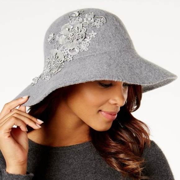 37ccc7505 August Hats Appliqué Floppy Hat Gray NWT